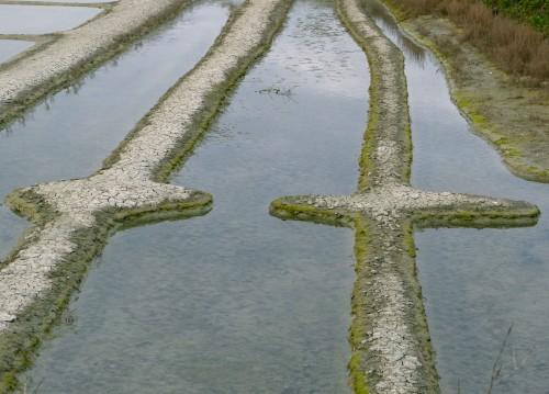 croix dans la mer.jpg