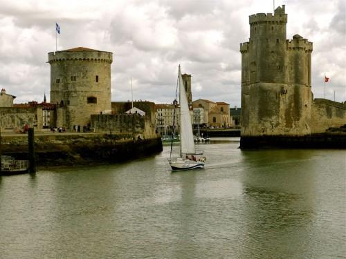 entre les tours de la Rochelle.jpg