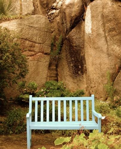 Banc bleu de méditation.jpg